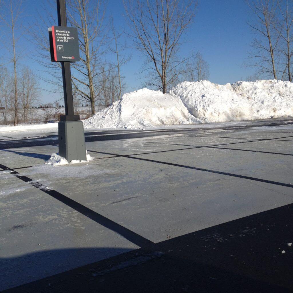 StreetBondSR on asphalt
