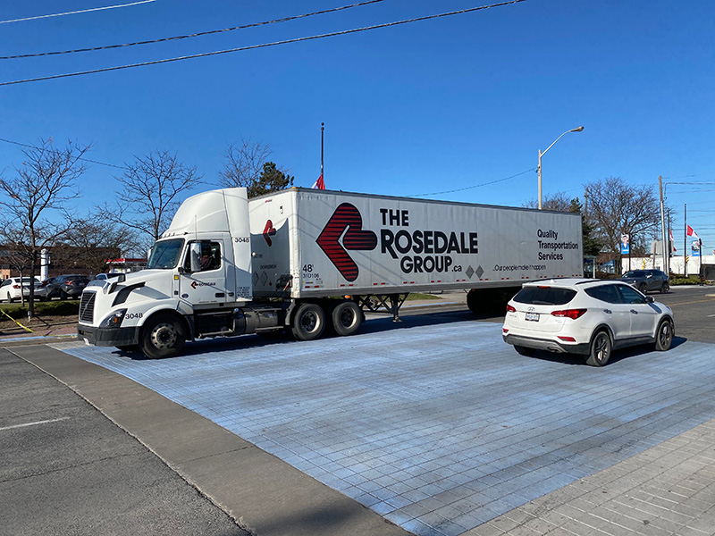 Load bearing decorative asphalt for high traffic areas